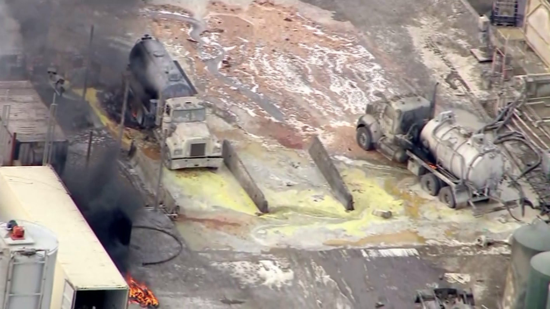 Several people were injured in an explosion at Santa Clara Waste Water Co., in Santa Paula, on Nov. 18, 2014. (Credit: KTLA)