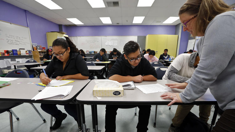 On Tuesday, the L.A. Unified school board voted to maintain -- at least for the moment -- a three-week winter break, which would allow for credit recovery courses like this one at Newmark High School to continue. (Credit: Genaro Molina / Los Angeles Times)