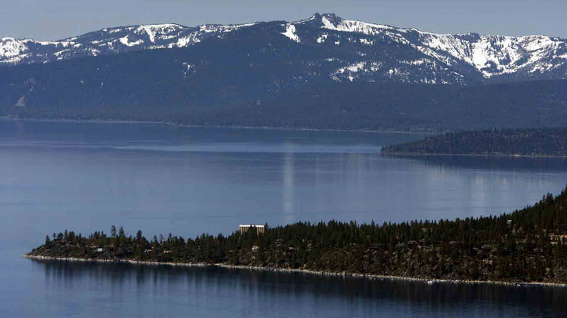 A view of snow-capped mountains, Lake Tahoe, and the historic Cal-Neva Resort & Casino. (Credit:Allen J. Schaben / Los Angeles Times)