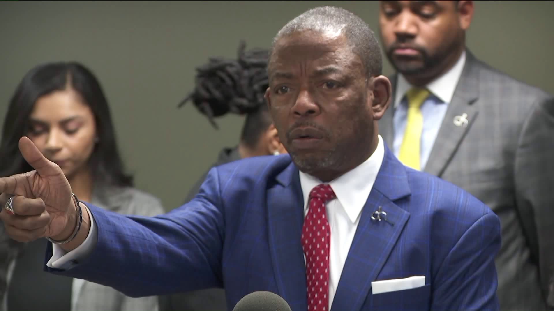 Attorney Carl E. Douglas speaks at a news conference on Dec. 11, 2018, where he announced a lawsuit against Walgreens on behalf of the family of the man shot and killed by a store security guard. (Credit: KTLA)