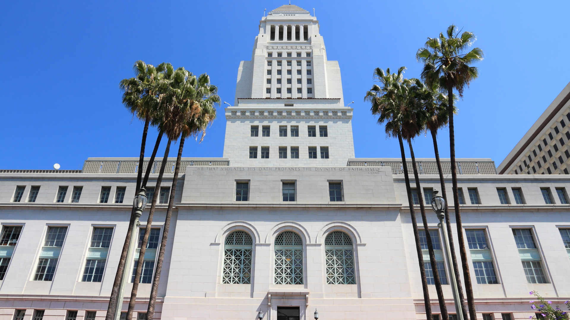 Los Angeles City Hall is seen in this file photo. (Credit: iStock / Getty Images Plus)