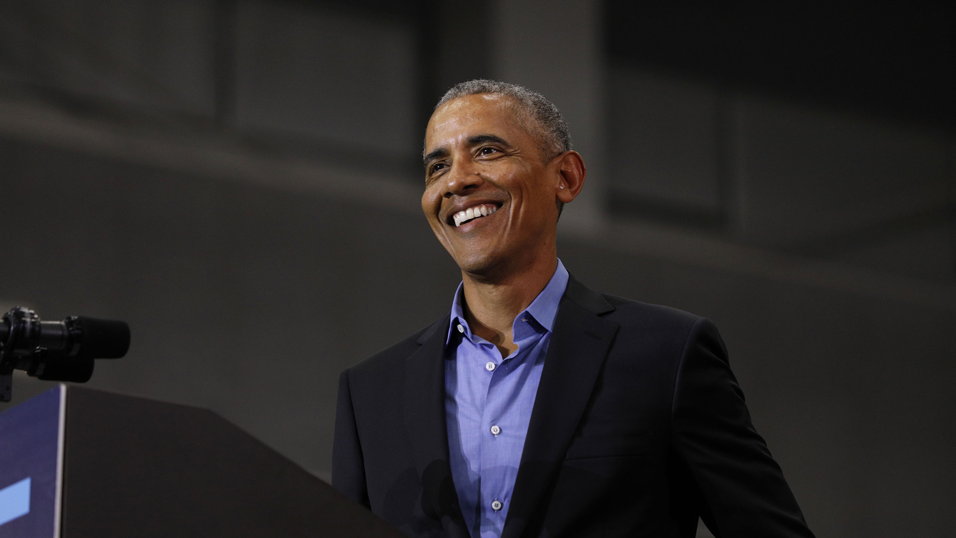 Former President Barack Obama speaks at a rally at Detroit Cass Tech High School on October 26, 2018 in Detroit. (Credit: Bill Pugliano/Getty Images)
