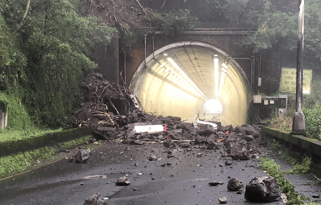 The aftermath of a landslide is seen at a highway on Oahu on Feb. 19, 2019. (Credit: Hawaii Department of Transportation/Twitter)