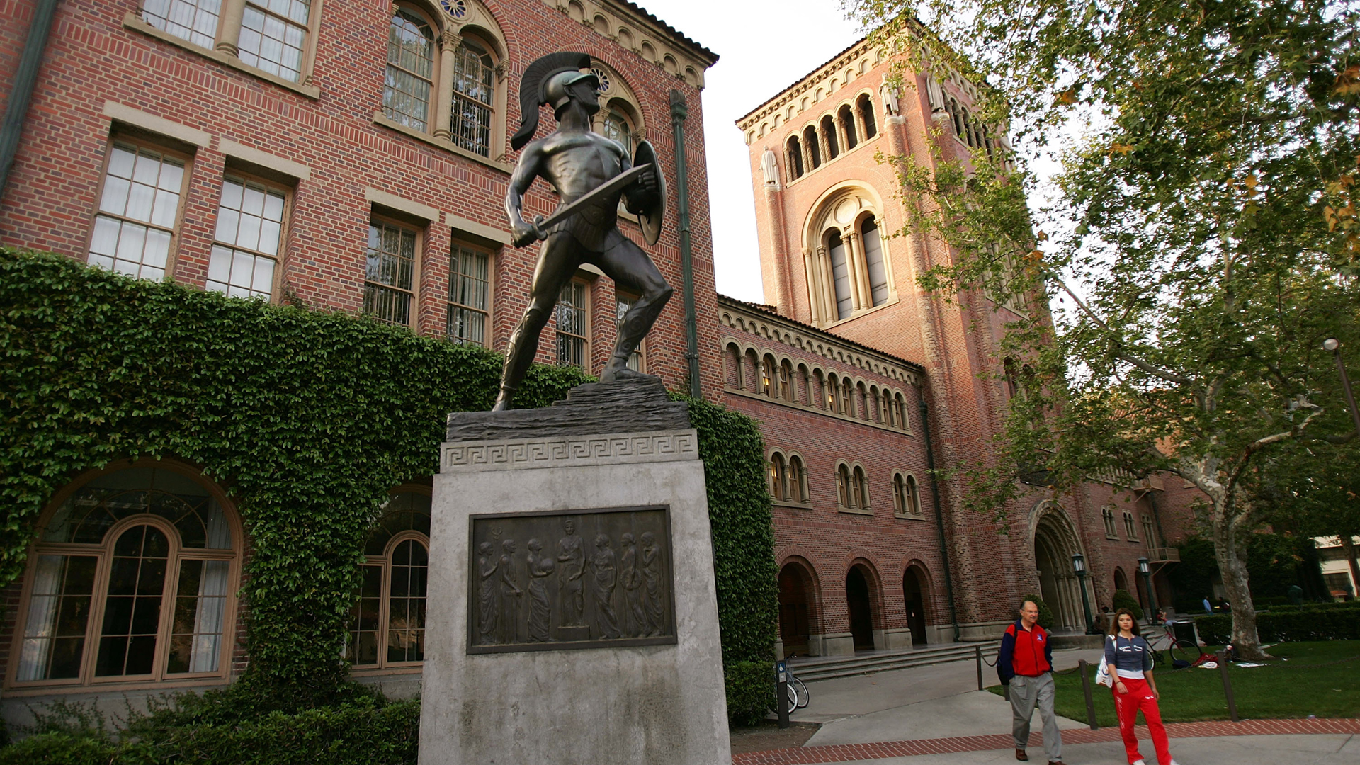 The Tommy Trojan statue on the USC campus is seen in this file photo from March 6, 2007. (David McNew / Getty Images)