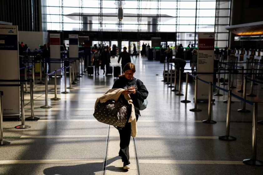 The number of fliers has dwindled at LAX since the national emergency was declared. (Kent Nishimura / Los Angeles Times)