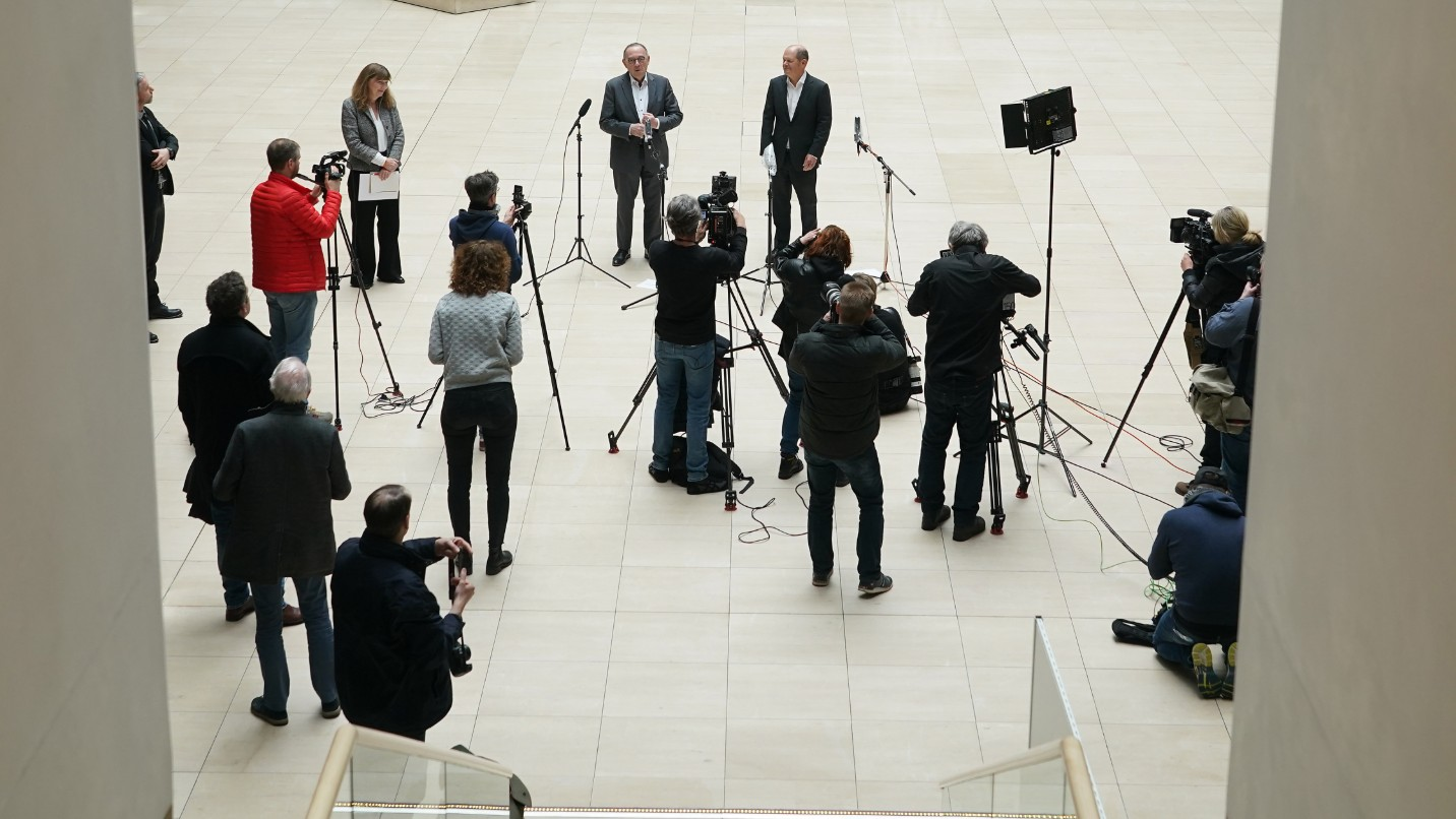 Members of the media are seen practicing social-distancing in this file photo. (Sean Gallup/Getty Images)