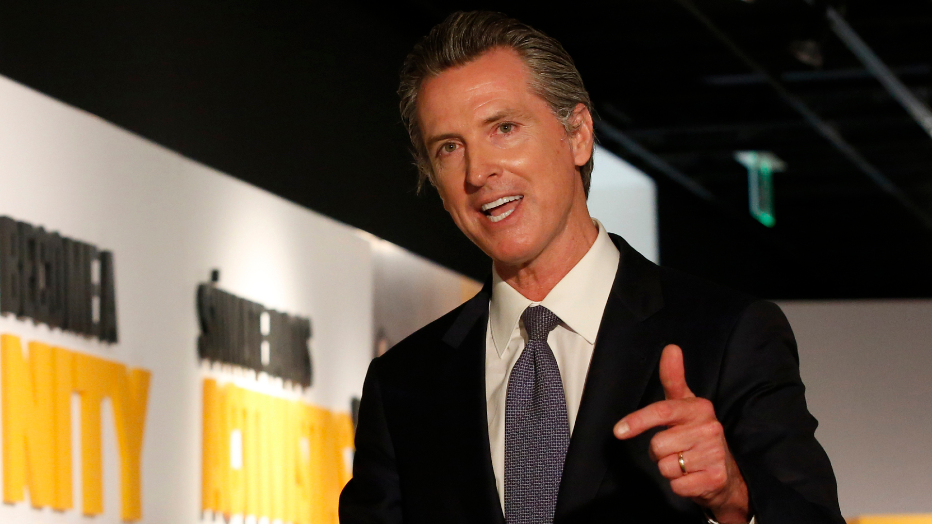 Approval rating for California's governor Newsom getting worse poll shows, 2/3/21