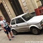 Fiat 126p., nazywany Maluchem. Na Kubie jest ich o dziwo sporo.