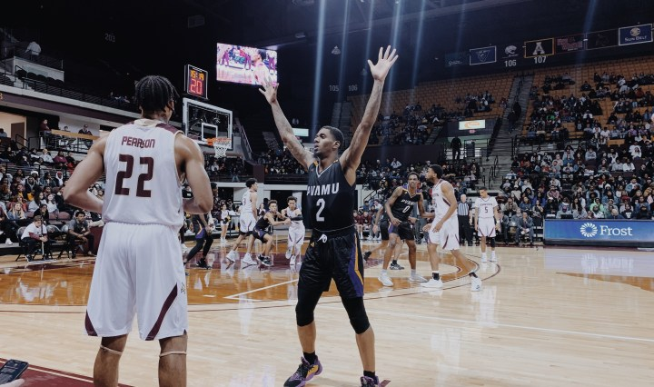 Texas State white jersey takes victory against Prairie View A&M purple and black jersey
