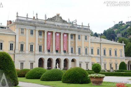 授賞式はコモ湖を臨む宮殿で行われます