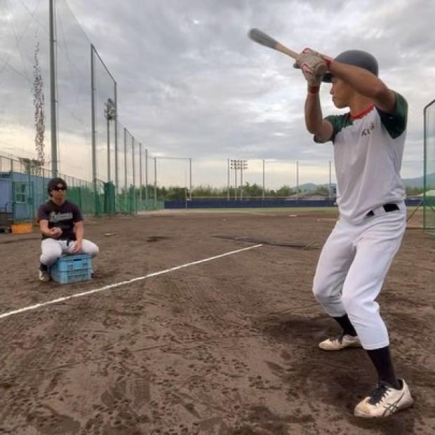 .【活動の様子】本日は15時より活動をしています。動画は#林一樹(4年・盛岡大附属高校)#白澤皇太(3年・奈良大附属高校)明日は2021年度京滋大学野球連盟秋季リーグ戦第2節第2回戦を予定しています。一戦必勝で戦っていきます応援のほど、よろしくお願いします。