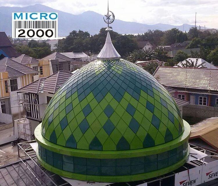 https://i2.wp.com/kubahmasjid.com/wp-content/uploads/Kubah-Masjid-Al-Bayan-PALU-SULAWESI-TENGAHyang-mempunyai-dua-motif-yaitu-hijau-muda-dan-hijau-tua.jpg?fit=750%2C641