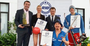 RID-Rekordtag-Gruppenbild-Urkunden
