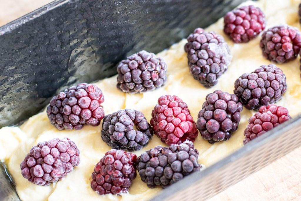 Streuselkuchen mit Beeren | kuchengeschichten