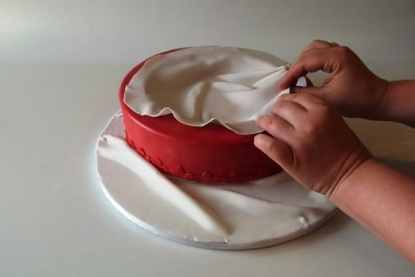 eine torte f r die schwiegermutter motivorte pralinenschachtel kuchen kind und kegel. Black Bedroom Furniture Sets. Home Design Ideas