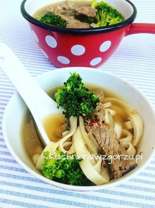 zupa z wolowina i brokulami