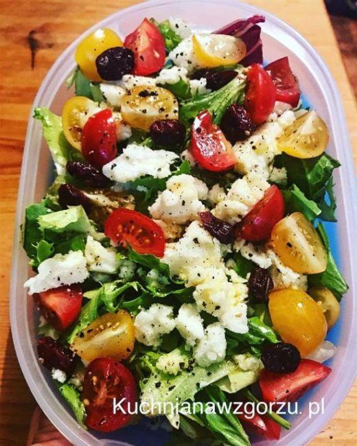 szybka-salatka-lunch-do-pracy