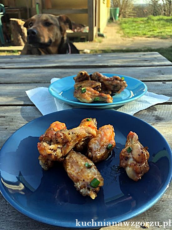 chrupiace-lepkie-skrzydelka-z-kurczaka