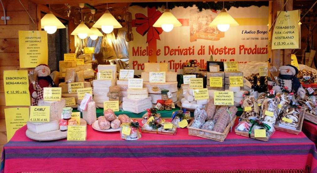 christmasmarket-italya-cheese-bergamo-kucukmartha-gezi