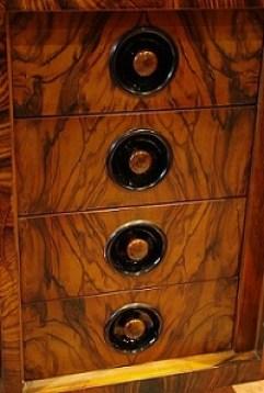 Wnętrze biurka firmy Kudelski