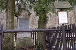 Tajemnicza Kapliczka obok Skansenu w Pstrążnej
