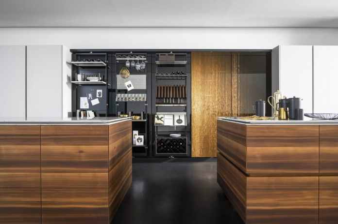 "Glittering optics, highly functional equipment: the eggersmann ""Smoked Larch"" is a prime example of the perfect designer kitchen.  (Photo: eggersmann)"
