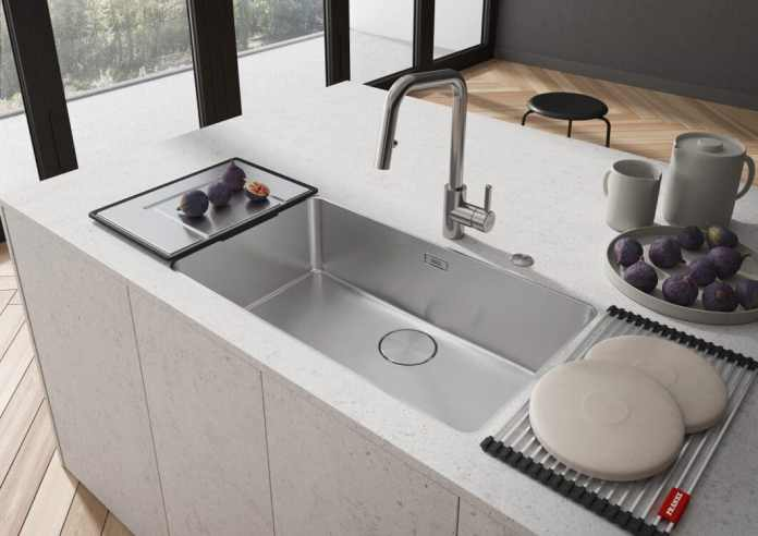 "The highly elegant, linear ones ""myth""- Franke sinks are available in different sizes.  The interior was also equipped with a seamlessly concealed integral drain and overflow and adapts to the puristic ambience.  (Photo: Franke)"