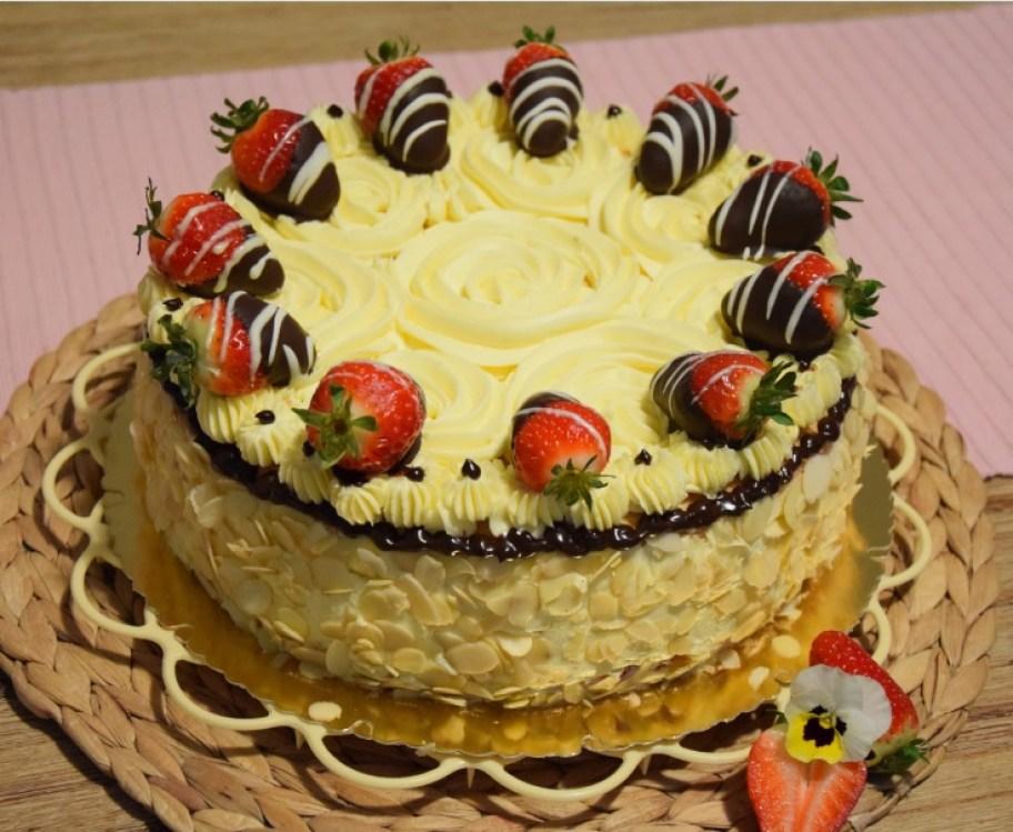 Erdbeer-Vanille-Torte B6