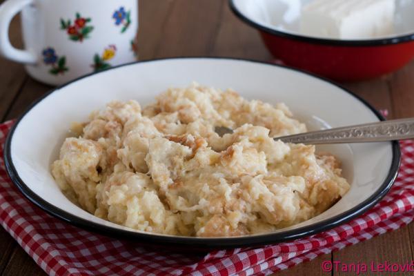 Popara / Domestic savory bread pudding