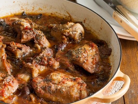 Mediteranska piletina u crvenom sosu / Mediterranean chicken in red sauce