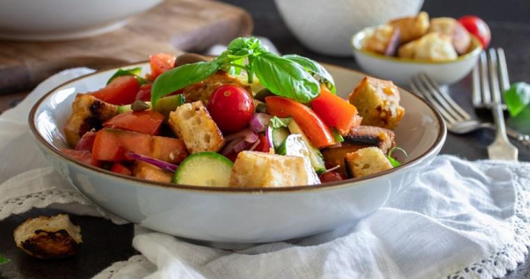 Italijanska salata sa starim hlebom / Panzanella