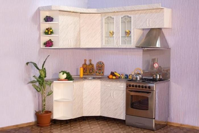 Маленькая угловая кухня эконом класса