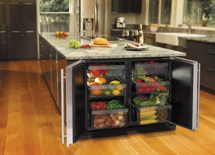 Хранение овощей на кухне в пластиковых ящиках