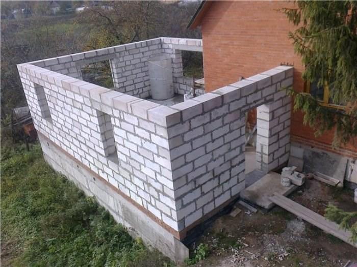 Строительство летней крытой кухни из пеноблоков