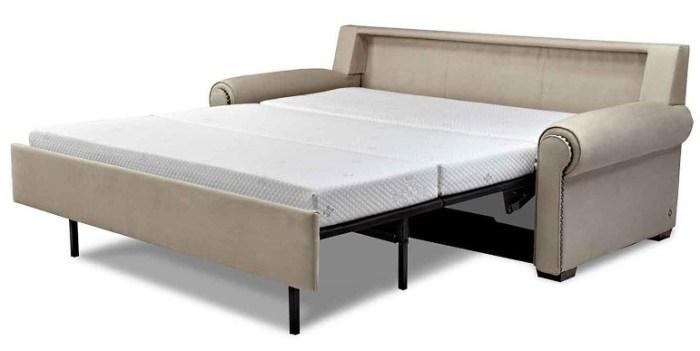 Двуспальное место, диван в разложенном виде
