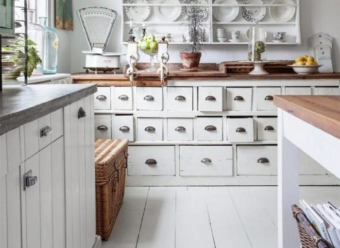 Кухонный комод в стиле прованс