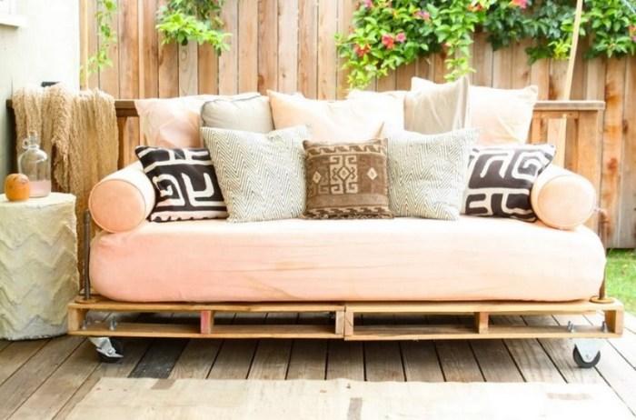 samodelnyj-divan Как сделать диван на кухню своими руками
