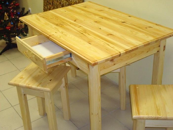 Обеденный стол из сосны