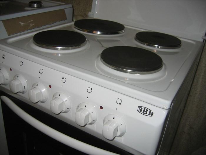 Отдельно стоящая электрическая плита