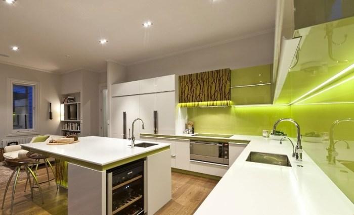 Кухня хайтек фисташкового цвета
