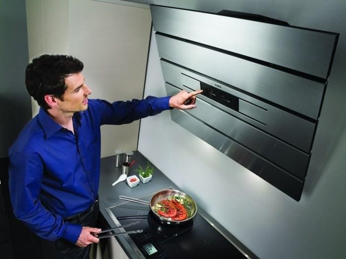 Кухонная вытяжка с сенсорным управлением