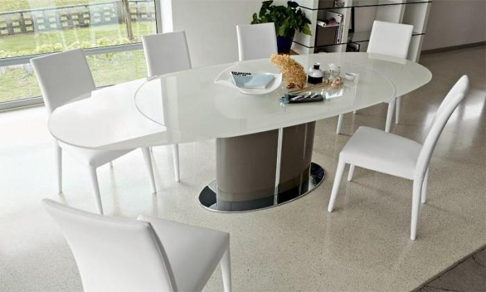 Белый стол из стекла