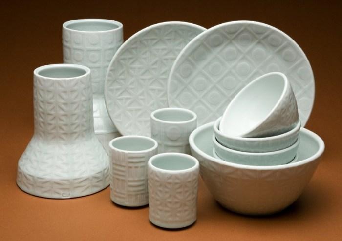 белая столовая керамика