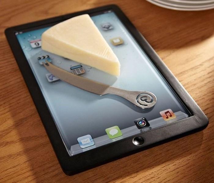 стеклянная разделочная доска в виде планшета ipad