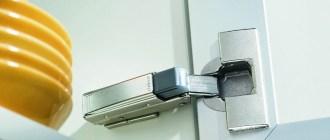 Выбор и установка доводчиков – чтобы кухонные шкафы закрывались тихо-тихо