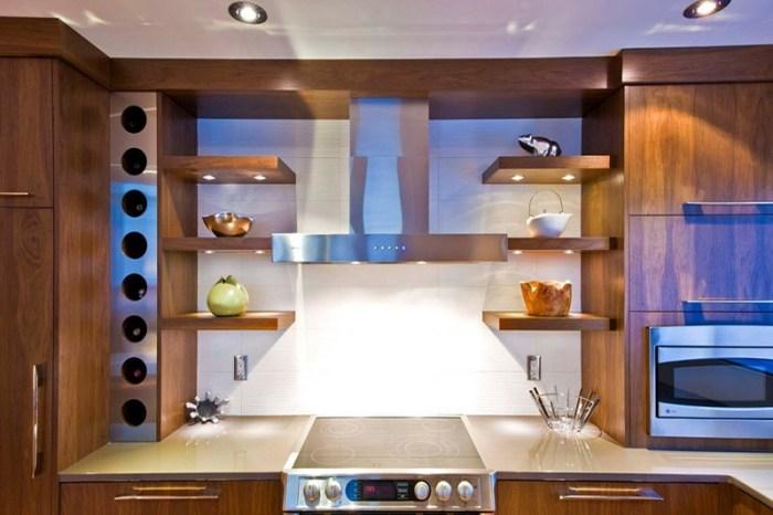Точечная подсветка полок на кухне