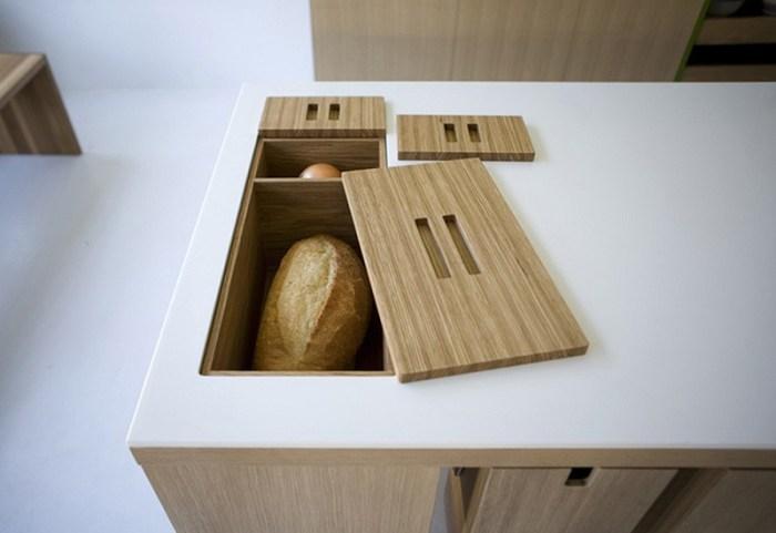 Хлебница-тайник в столе на кухне