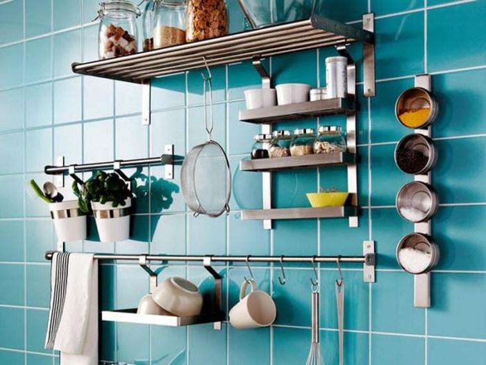 Хранение кухонных инструментов на стене