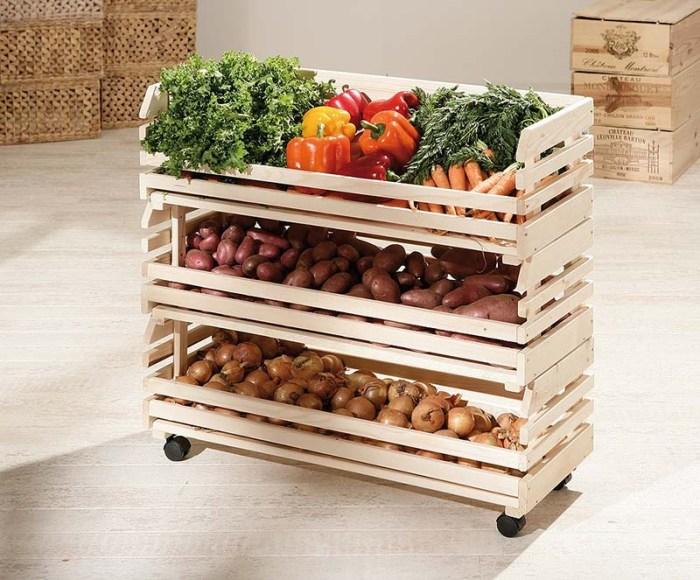 Мобильные этажерки из дерева для овощей