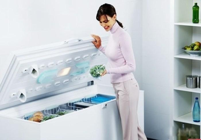 Морозильный ларь с навесными корзинами